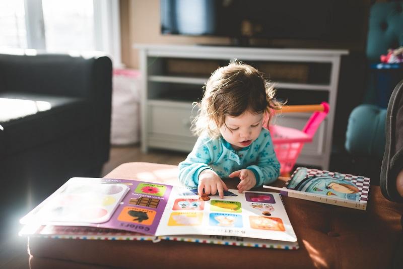 Когда ребенку пора начинать учить английский?