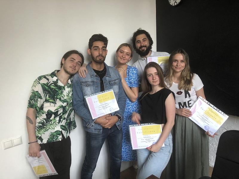 Зачем учить английский язык в группе